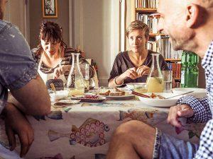 Invitados comen con VizEat