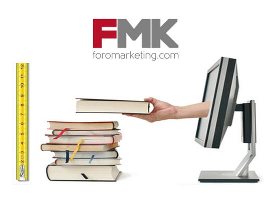 Libros, ordenador y logo FMK