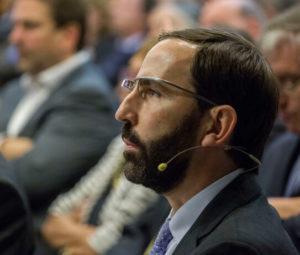 Andreu Veà es ingeniero en Telecomunicaciones y profesor en la Universidad de Stanford, además de especialista en Internet