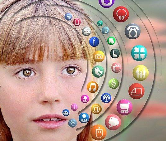 Crece un 20% el uso de apps en menores este verano